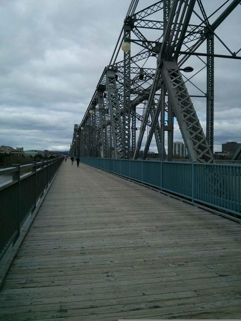 10 must-sees in ottawa alexandra interprovincial bridge ontario quebec canada provinces ikigai travel